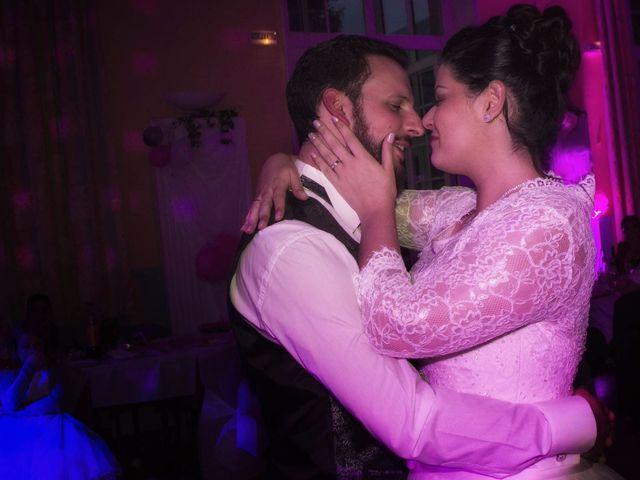 Le mariage de Emily et Kevin à Belleville-sur-Meuse, Meuse 24