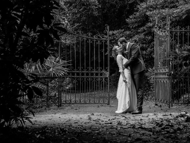 Le mariage de Julien et Julie à Larmor-Plage, Morbihan 1