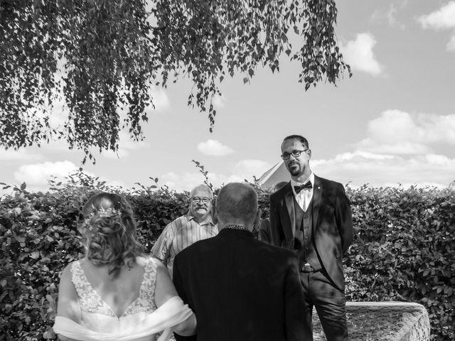 Le mariage de Benoit et Emilie à Doméliers, Oise 24