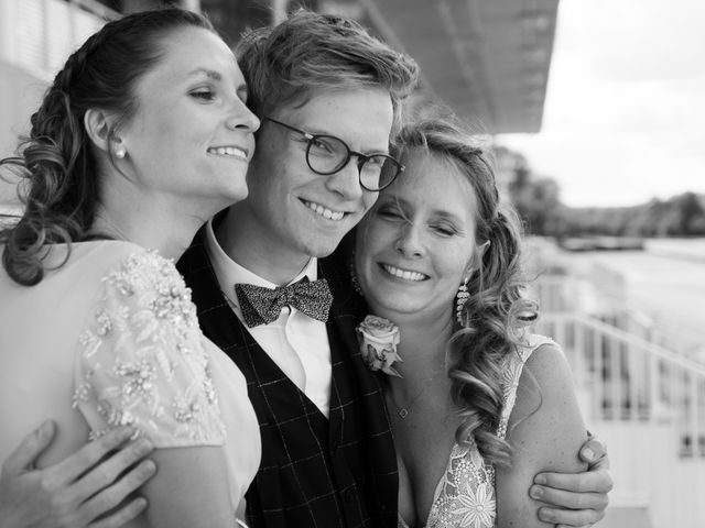 Le mariage de Vincent et Elodie à Chantilly, Oise 23