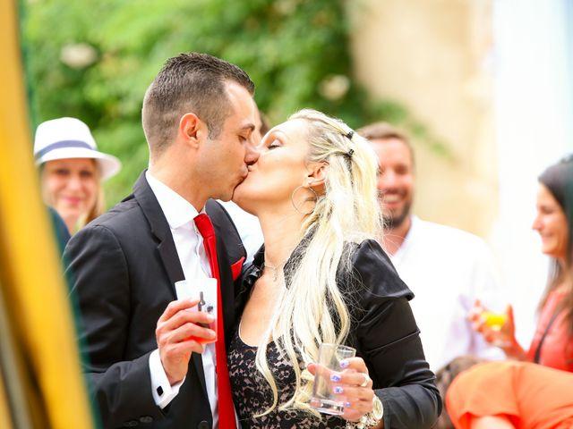 Le mariage de Mehdi et Marie Laure à Saint-Lager, Rhône 37