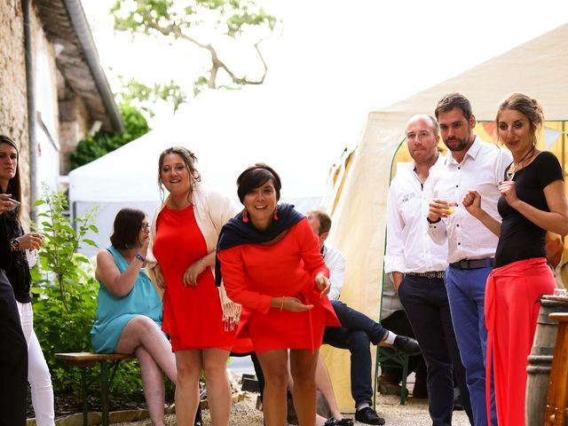 Le mariage de Mehdi et Marie Laure à Saint-Lager, Rhône 43