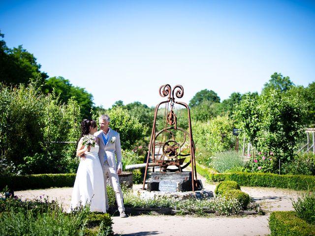 Le mariage de Edouard et Elisabeth à La Bussière, Loiret 7