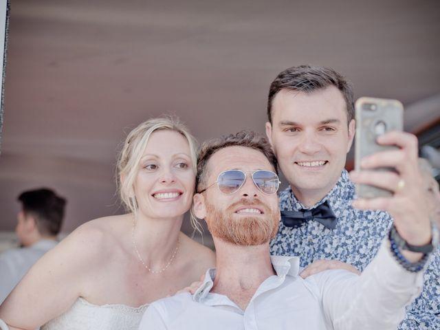Le mariage de Julian et Zoé à Aigues-Vives, Hérault 24