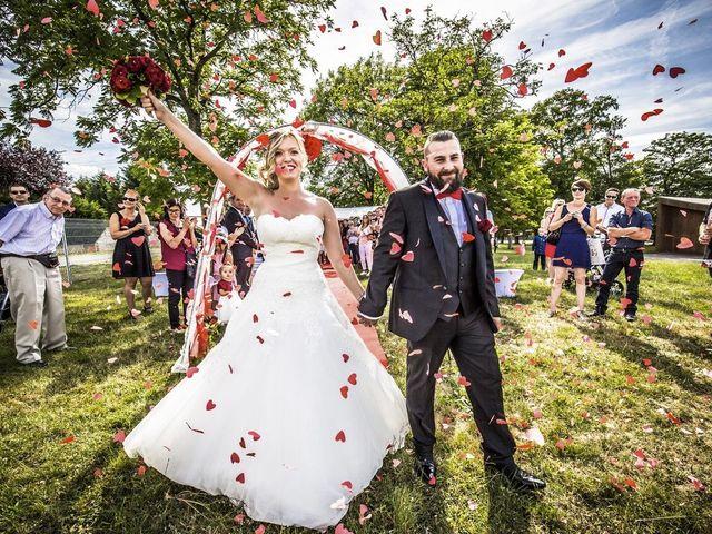 Le mariage de Alex et Anaïs à Mirecourt, Vosges 32