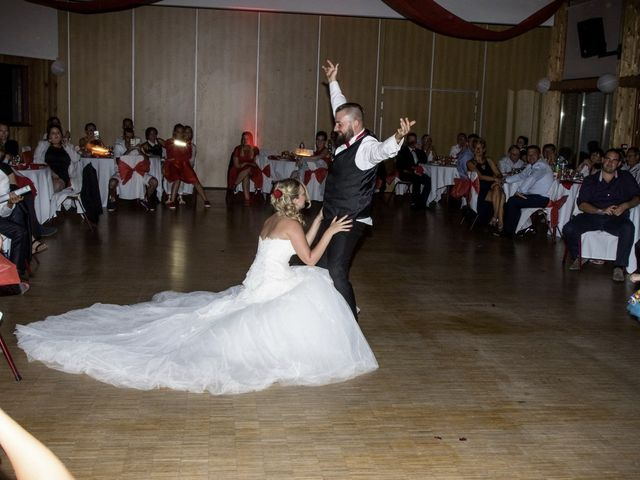 Le mariage de Alex et Anaïs à Mirecourt, Vosges 44