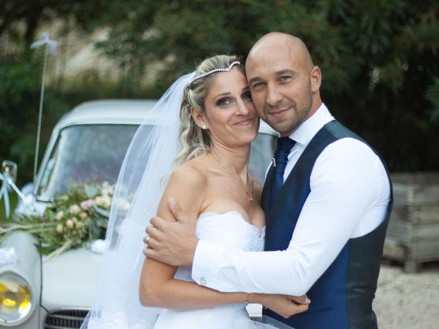 Le mariage de Betty  et Cyril  à Orgon, Bouches-du-Rhône 17
