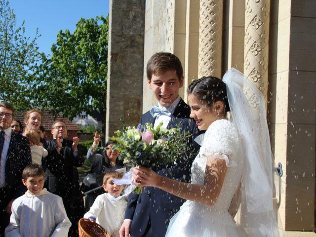 Le mariage de Timothée et Mathilde à Saint-Yan, Saône et Loire 15