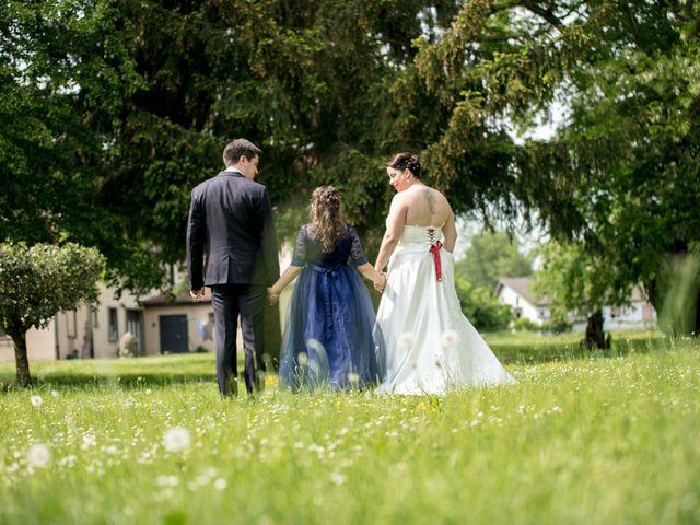 Le mariage de Julian et Kattel à Langensoultzbach, Bas Rhin 11