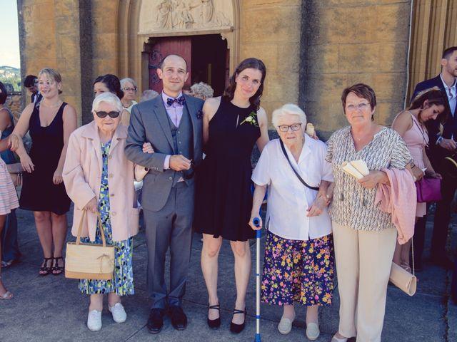 Le mariage de Camille et Justine à Roanne, Loire 72