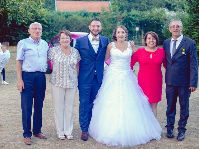 Le mariage de Camille et Justine à Roanne, Loire 83