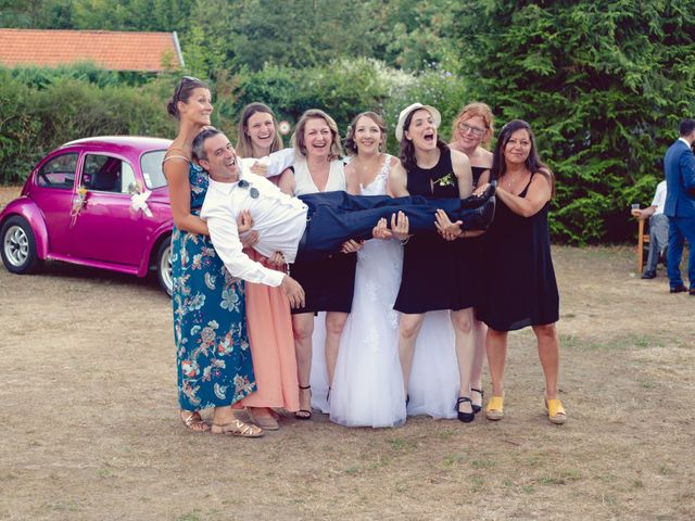 Le mariage de Camille et Justine à Roanne, Loire 84
