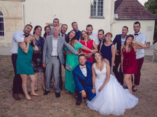 Le mariage de Camille et Justine à Roanne, Loire 90