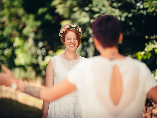 Le mariage de Capucine et Christelle à Erckartswiller, Bas Rhin 37