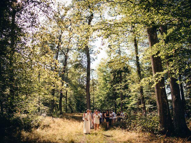 Le mariage de Capucine et Christelle à Erckartswiller, Bas Rhin 64
