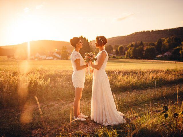Le mariage de Capucine et Christelle à Erckartswiller, Bas Rhin 93