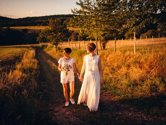Le mariage de Capucine et Christelle à Erckartswiller, Bas Rhin 94
