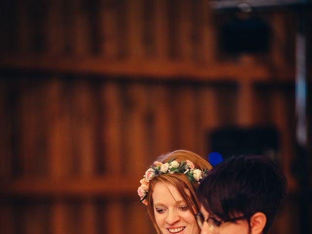 Le mariage de Capucine et Christelle à Erckartswiller, Bas Rhin 98