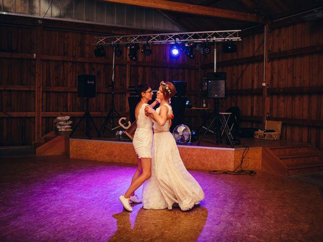 Le mariage de Capucine et Christelle à Erckartswiller, Bas Rhin 101