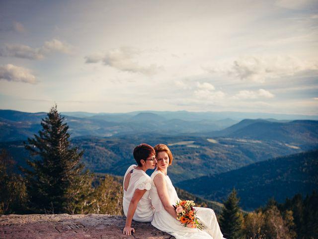 Le mariage de Capucine et Christelle à Erckartswiller, Bas Rhin 124