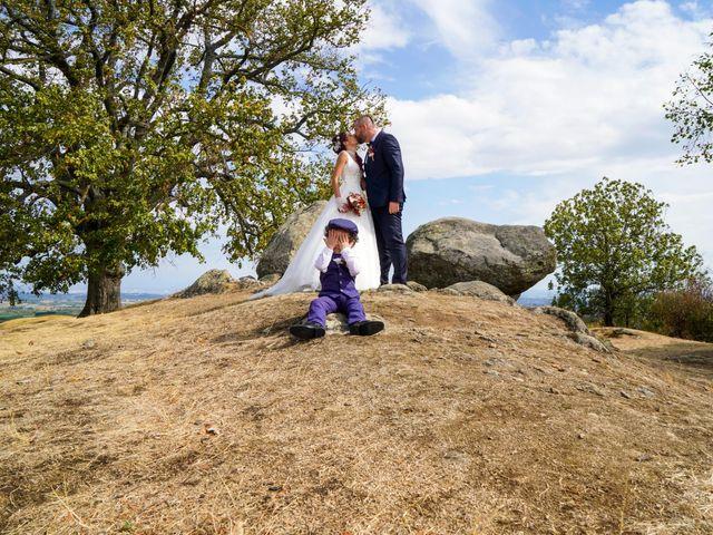 Le mariage de Chris et Amandine à Orliénas, Rhône 1