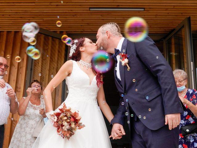 Le mariage de Chris et Amandine à Orliénas, Rhône 5