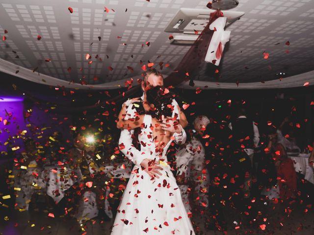 Le mariage de Chris et Amandine à Orliénas, Rhône 17