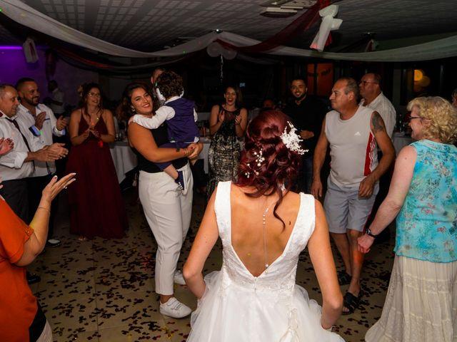 Le mariage de Chris et Amandine à Orliénas, Rhône 19