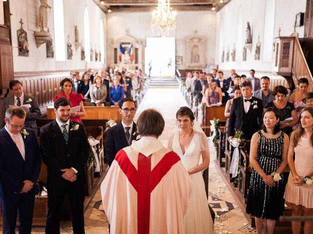 Le mariage de Renato et Ramona à Perriers-sur-Andelle, Eure 17