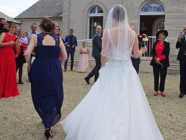 Le mariage de Fabrice et Ombeline à Mosles, Calvados 1