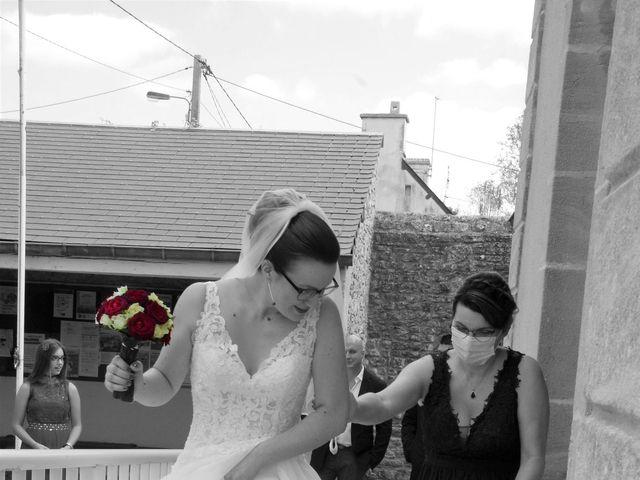 Le mariage de Fabrice et Ombeline à Mosles, Calvados 3
