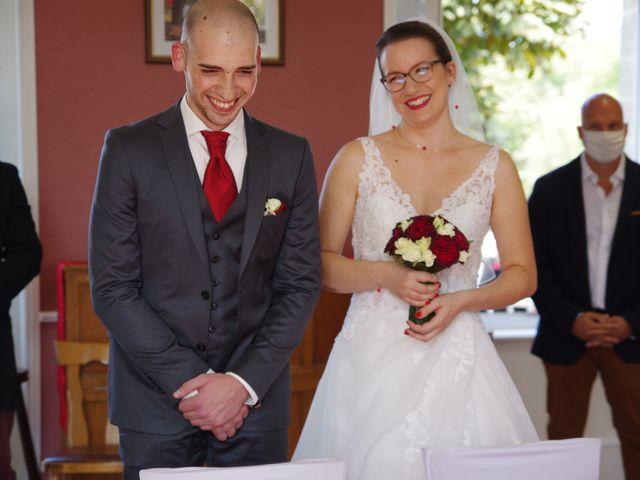 Le mariage de Fabrice et Ombeline à Mosles, Calvados 2