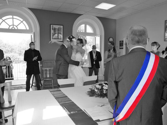 Le mariage de Fabrice et Ombeline à Mosles, Calvados 4