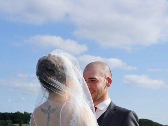 Le mariage de Fabrice et Ombeline à Mosles, Calvados 15