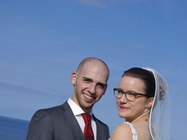 Le mariage de Fabrice et Ombeline à Mosles, Calvados 17
