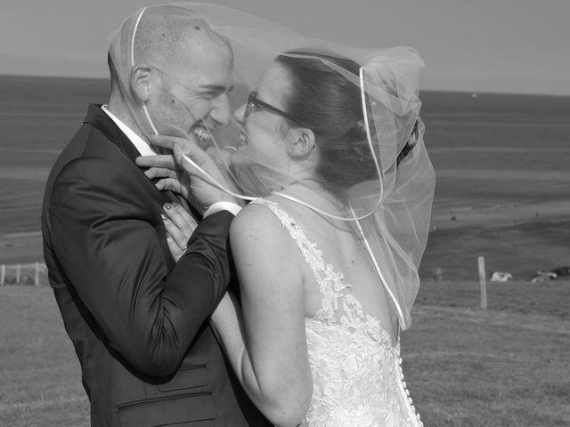 Le mariage de Fabrice et Ombeline à Mosles, Calvados 18