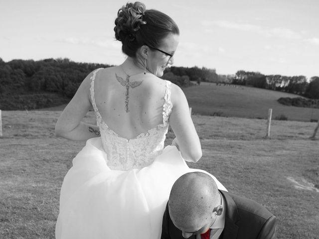 Le mariage de Fabrice et Ombeline à Mosles, Calvados 21