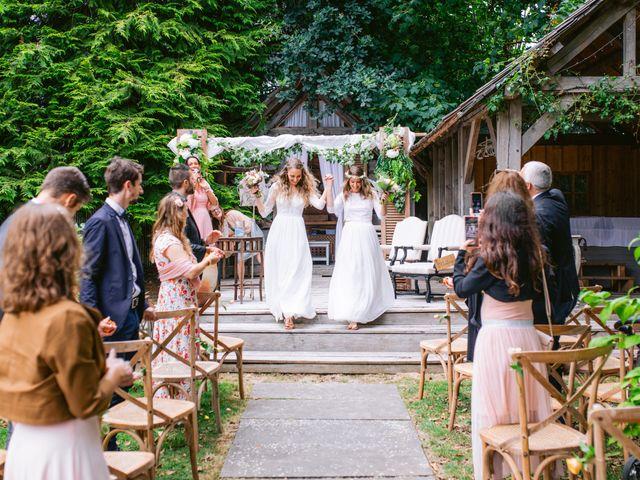 Le mariage de Alexandra et Céline à Rennes, Ille et Vilaine 40