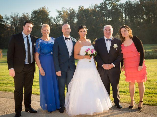 Le mariage de Philippe et Aurélie à Saint-Pierre-du-Mont, Landes 58