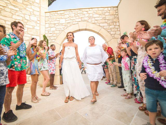 Le mariage de Karène et Juliette à Aniane, Hérault 10