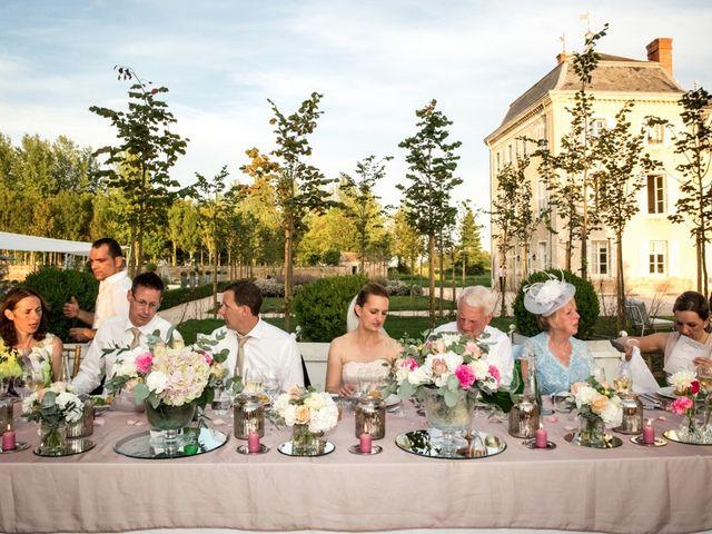 Le mariage de Mark et Hellen à Chalon-sur-Saône, Saône et Loire 33