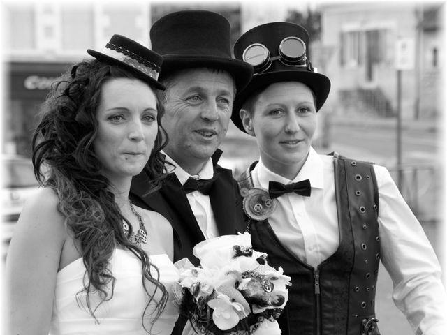 Le mariage de Emilie et Vanessa  à Boulleret, Cher 8
