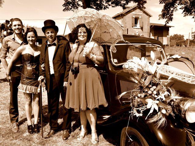 Le mariage de Emilie et Vanessa  à Boulleret, Cher 11