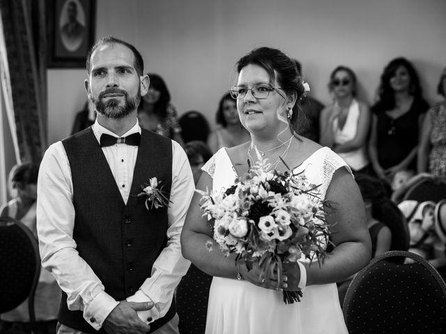 Le mariage de Nicolas et Marion à Arveyres, Gironde 33