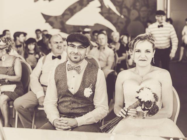 Le mariage de David et Sarah à Coudekerque-Branche, Nord 16