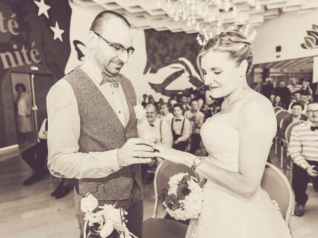 Le mariage de David et Sarah à Coudekerque-Branche, Nord 18