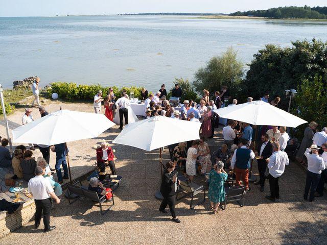 Le mariage de Johan et Ludivine à Quiberon, Morbihan 51