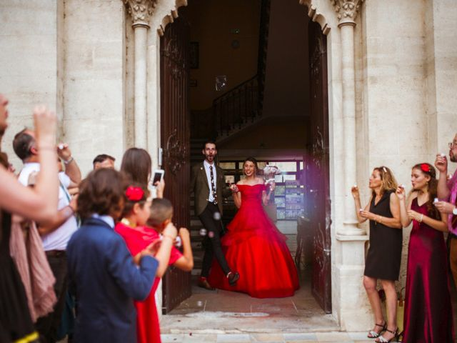 Le mariage de Lhéo et Sarah à Saint-Gilles, Gard 30
