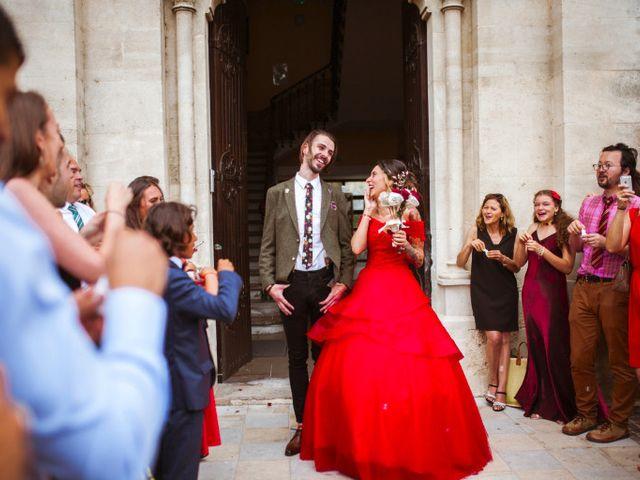 Le mariage de Lhéo et Sarah à Saint-Gilles, Gard 33