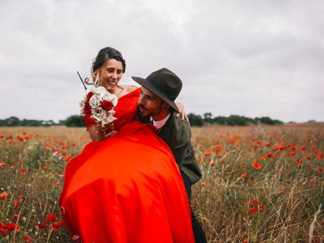 Le mariage de Lhéo et Sarah à Saint-Gilles, Gard 36